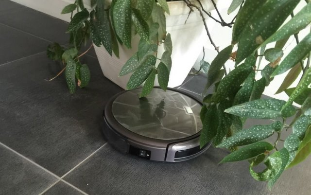 Test Aspirateur Robot Chuwi Ilife A4, la concurrence Roomba